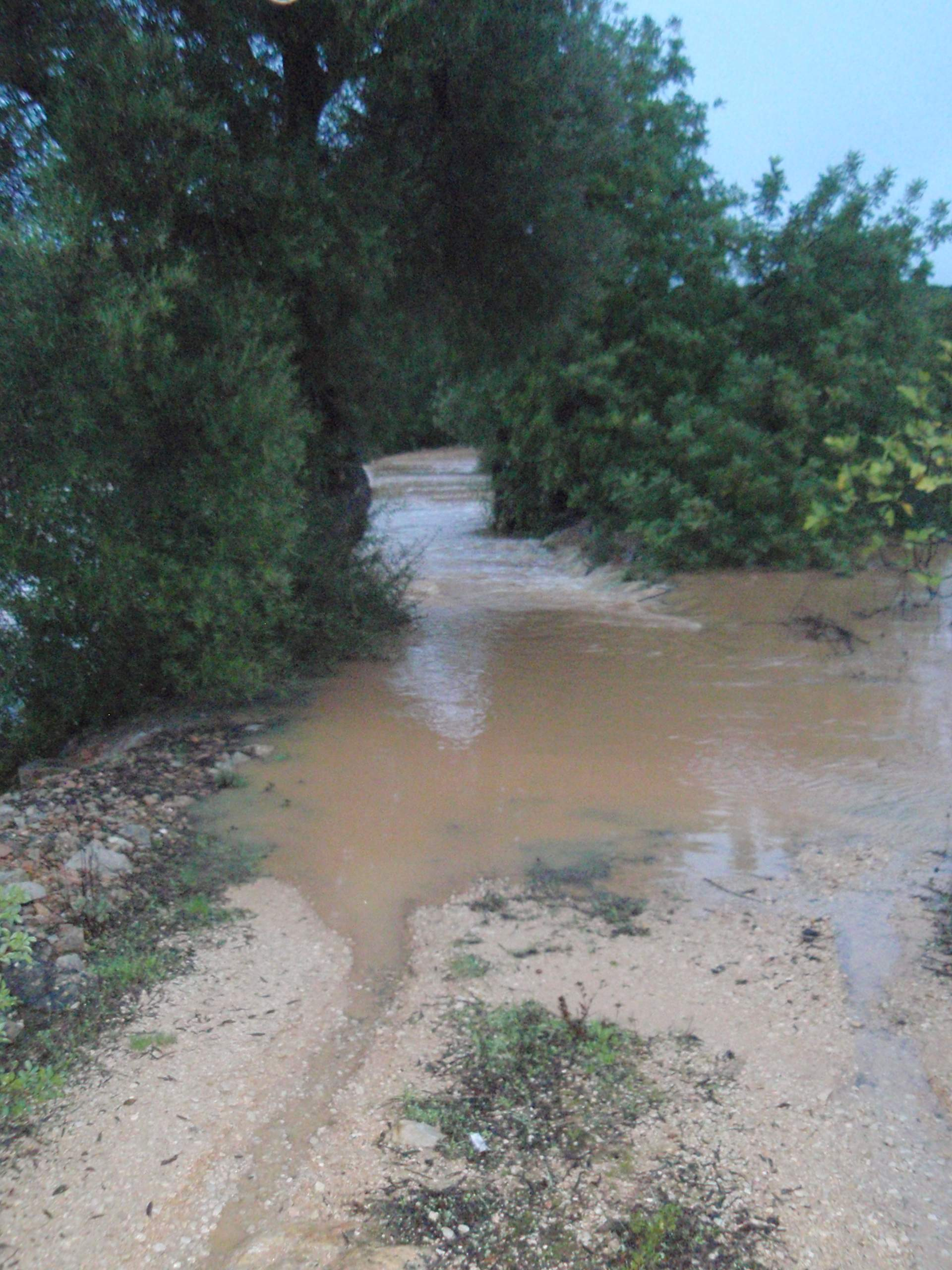 Orage et trombe d eau du 8 11 2012 page 2 - Trombe d eau ...